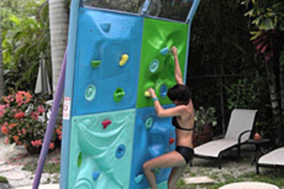 Aqua Climb