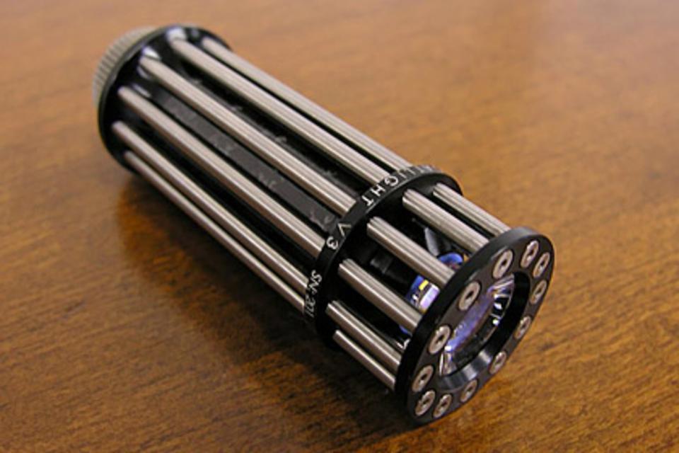 Lumencraft GatLight V3 Titanium Flashlight