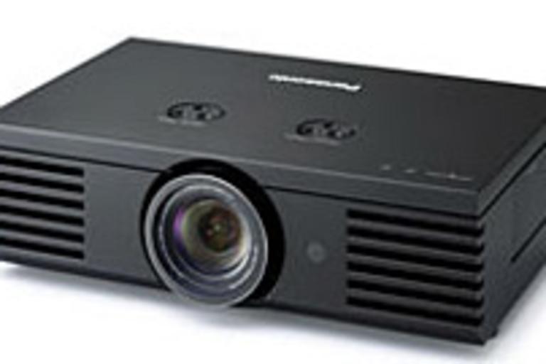 Panasonic PT-AE1000U Projector