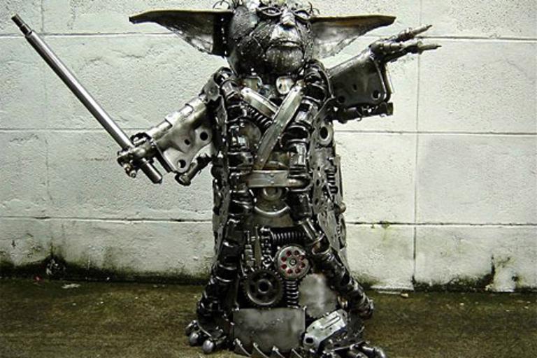 Yumi Modal Statues