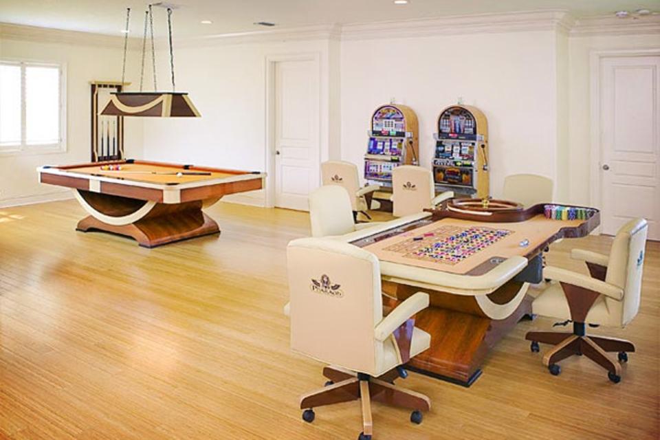 Pharaoh Game Room Sets