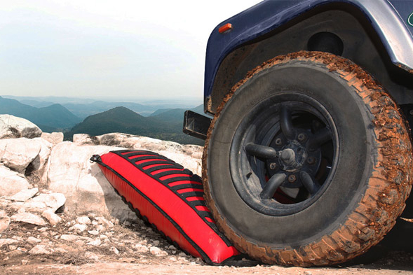 LiftTrax Off-Road Recovery Device