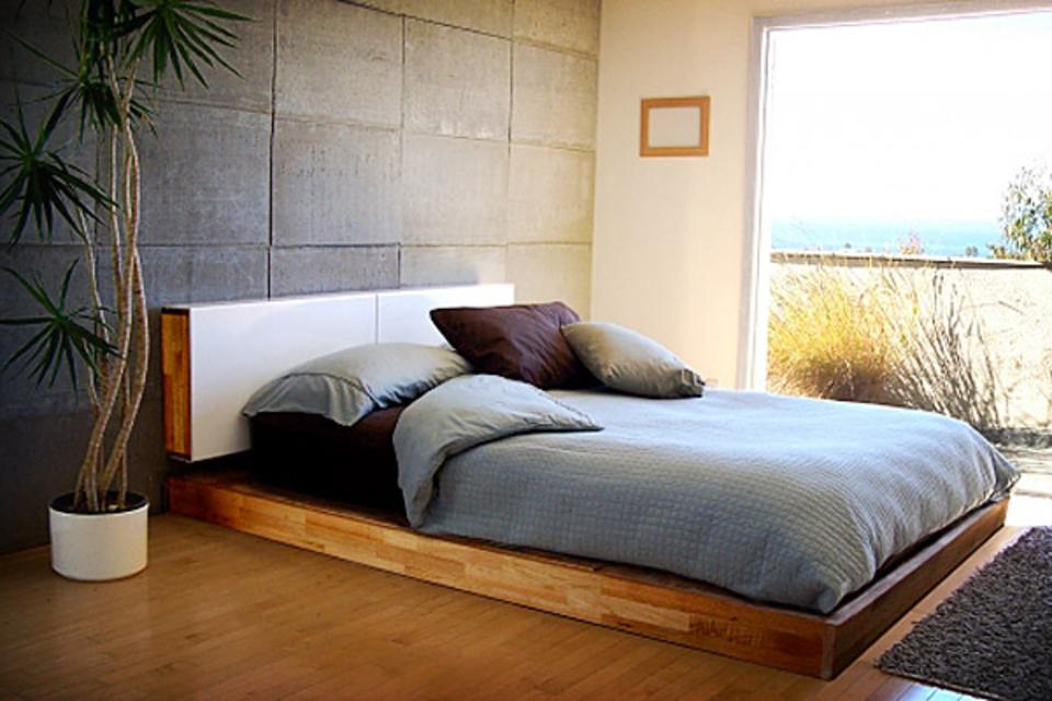 Mash Studios LAX Bed