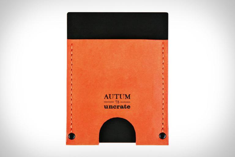 Autum + Uncrate Dualist Wallet