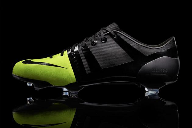 Nike GS Soccer Boot
