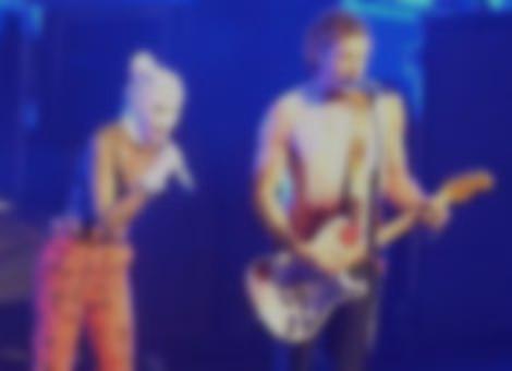Gwen Stefani and Bush Sing Glycerine