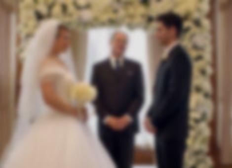 Smartphone Wedding Battle