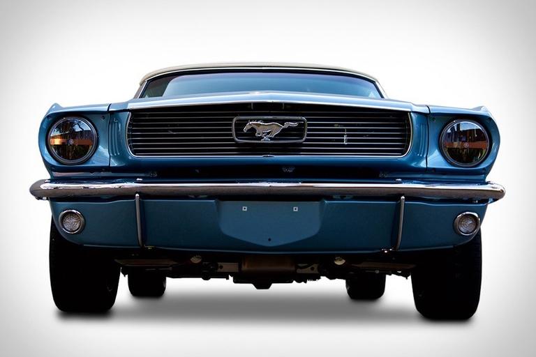Revology Mustang