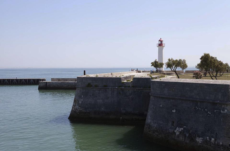 Saint Martin Boatyard Conversion Uncrate