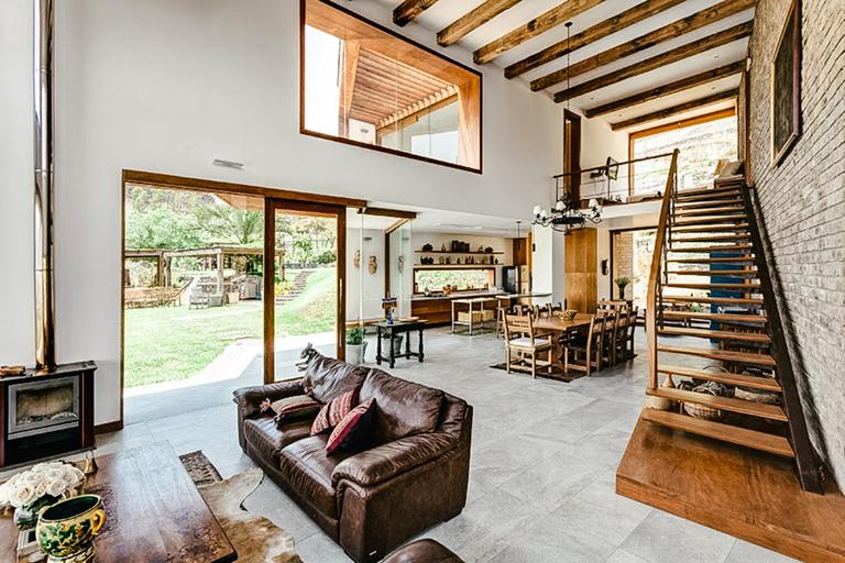 Azpitia House