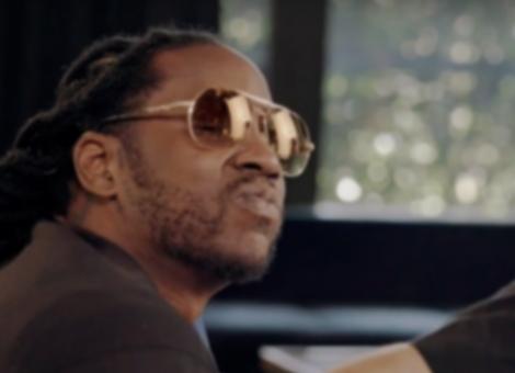 2 Chainz Tries On Vintage Sunglasses