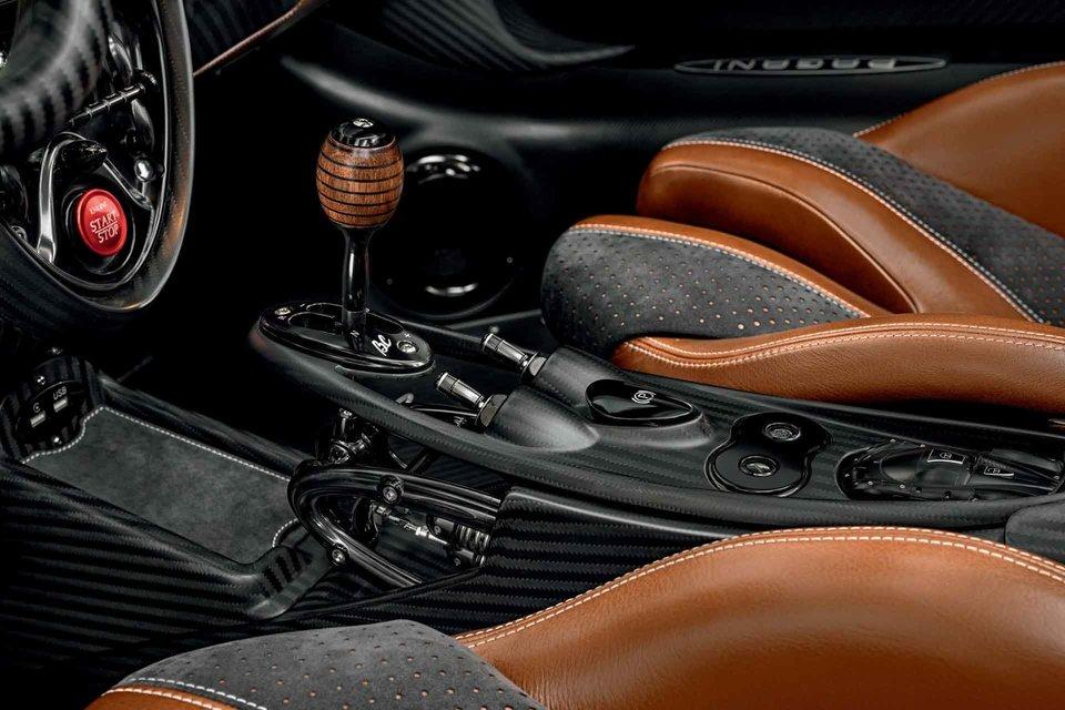 pagani-huayra-roadster-bc-3-thumb-960xauto-103214.jpg