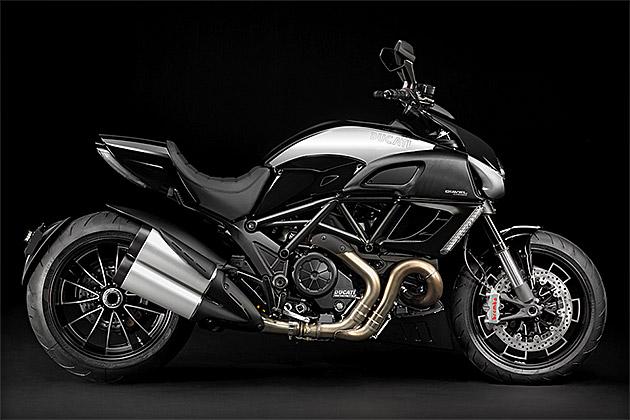 Ducati Diavel Cromo Motorcycle