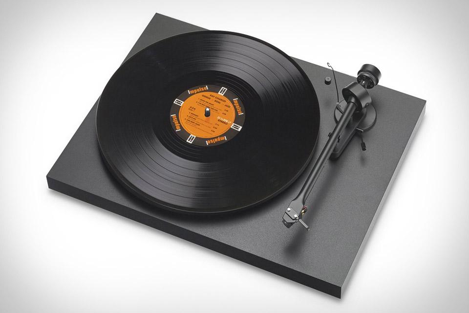 Pro-Ject Debut III Audiophile Turntable