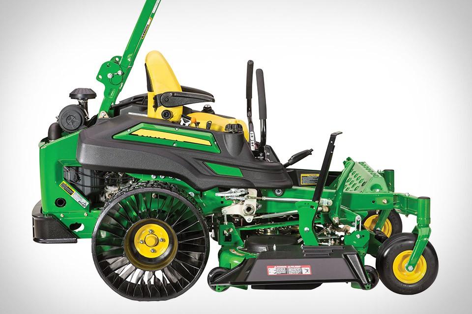John Deere ZTrack 900 Airless-Tire Mower