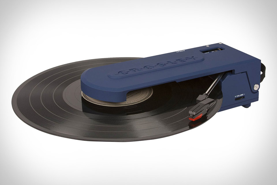 Charming Crosley Revolution Turntable | Uncrate