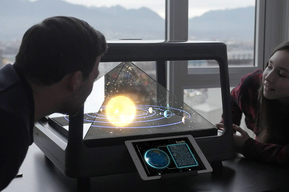 Holus Tabletop Holographic Display