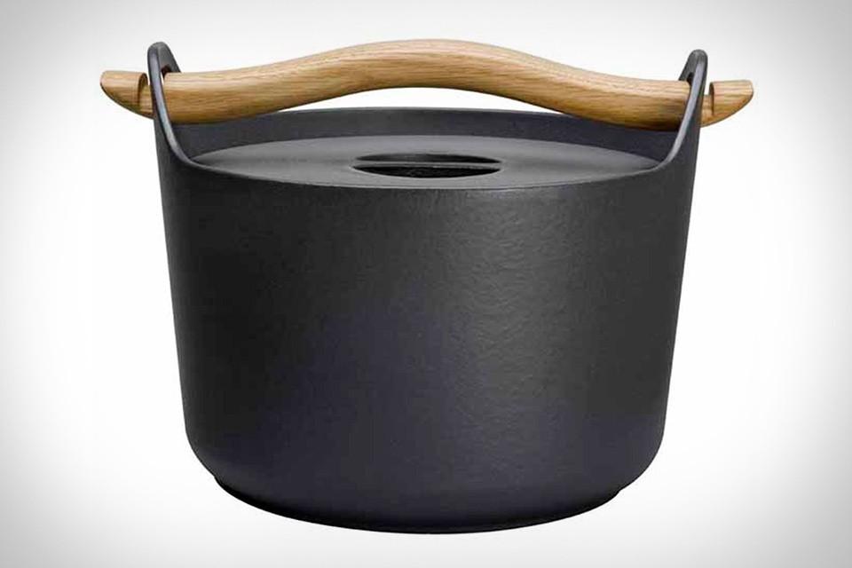 Sarpaneva Cast Iron Pot