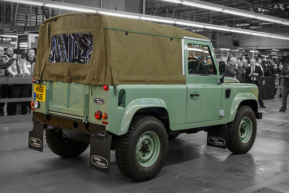 The Last Land Rover Defender Uncrate