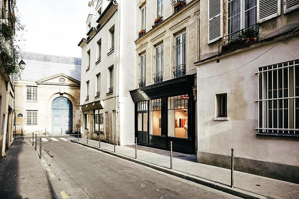 Supreme Paris