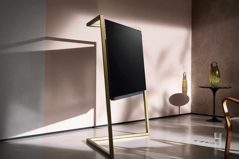 loewe bild 9 tv uncrate. Black Bedroom Furniture Sets. Home Design Ideas