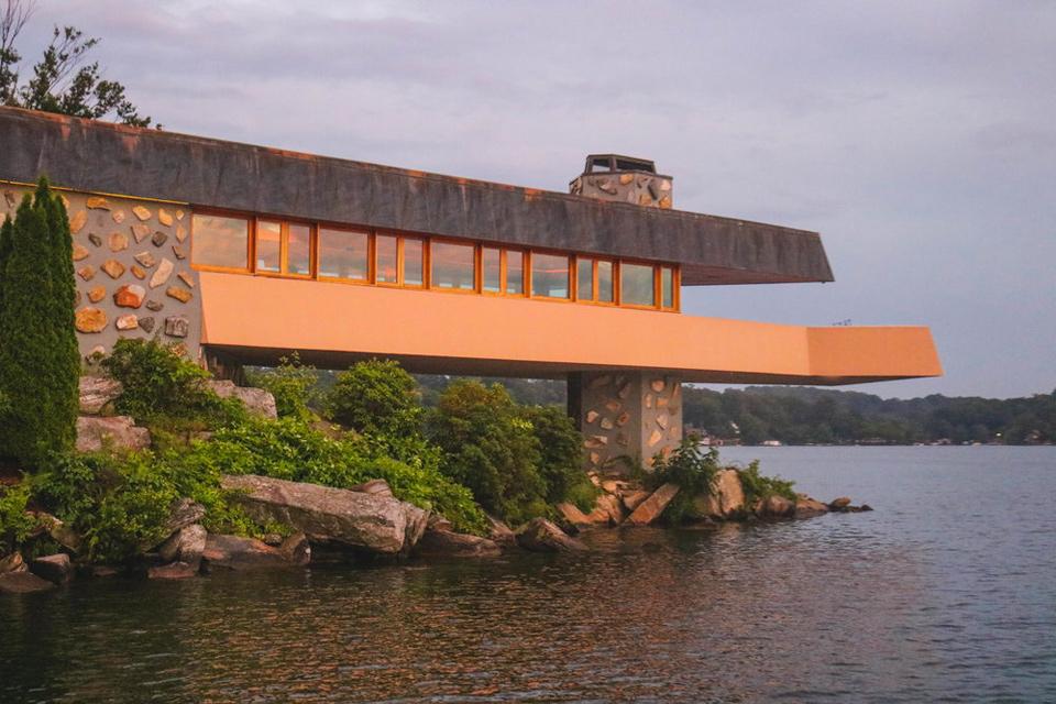 Petre Island