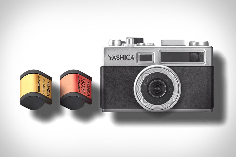 Yashica Y35 Digifilm Camera