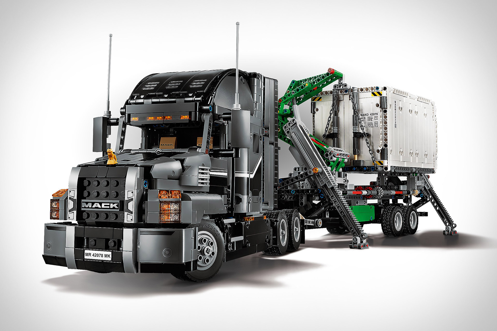lego technic 2 in 1 mack truck uncrate. Black Bedroom Furniture Sets. Home Design Ideas