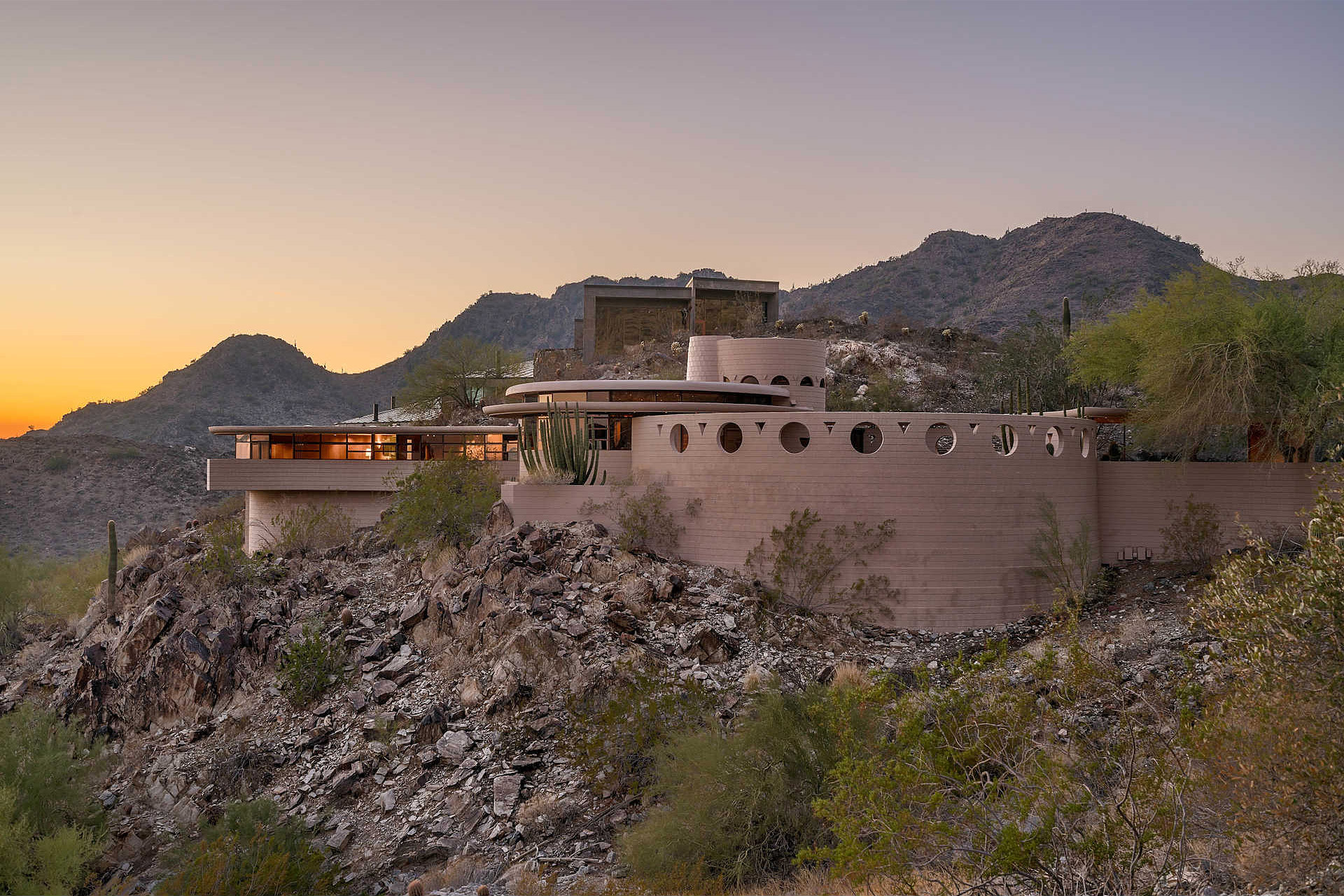Palm canyon house uncrate for Canyon house