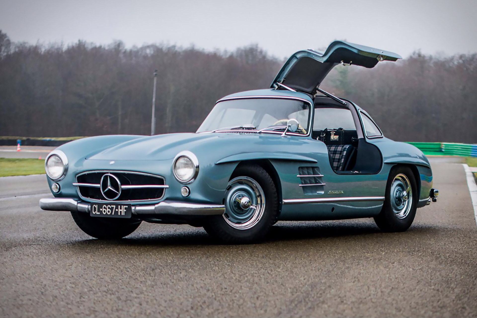 paul newman 39 s mercedes benz 300 sl gullwing uncrate. Black Bedroom Furniture Sets. Home Design Ideas