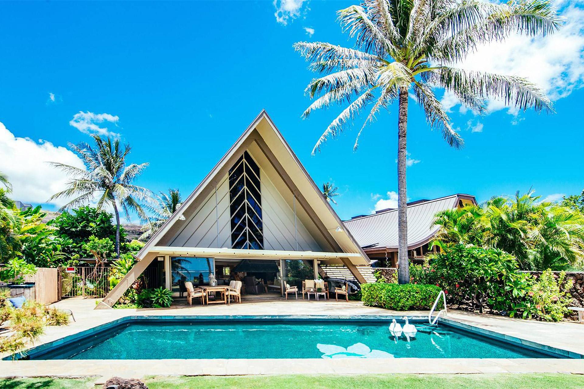 Honolulu a frame house uncrate for Pool design honolulu