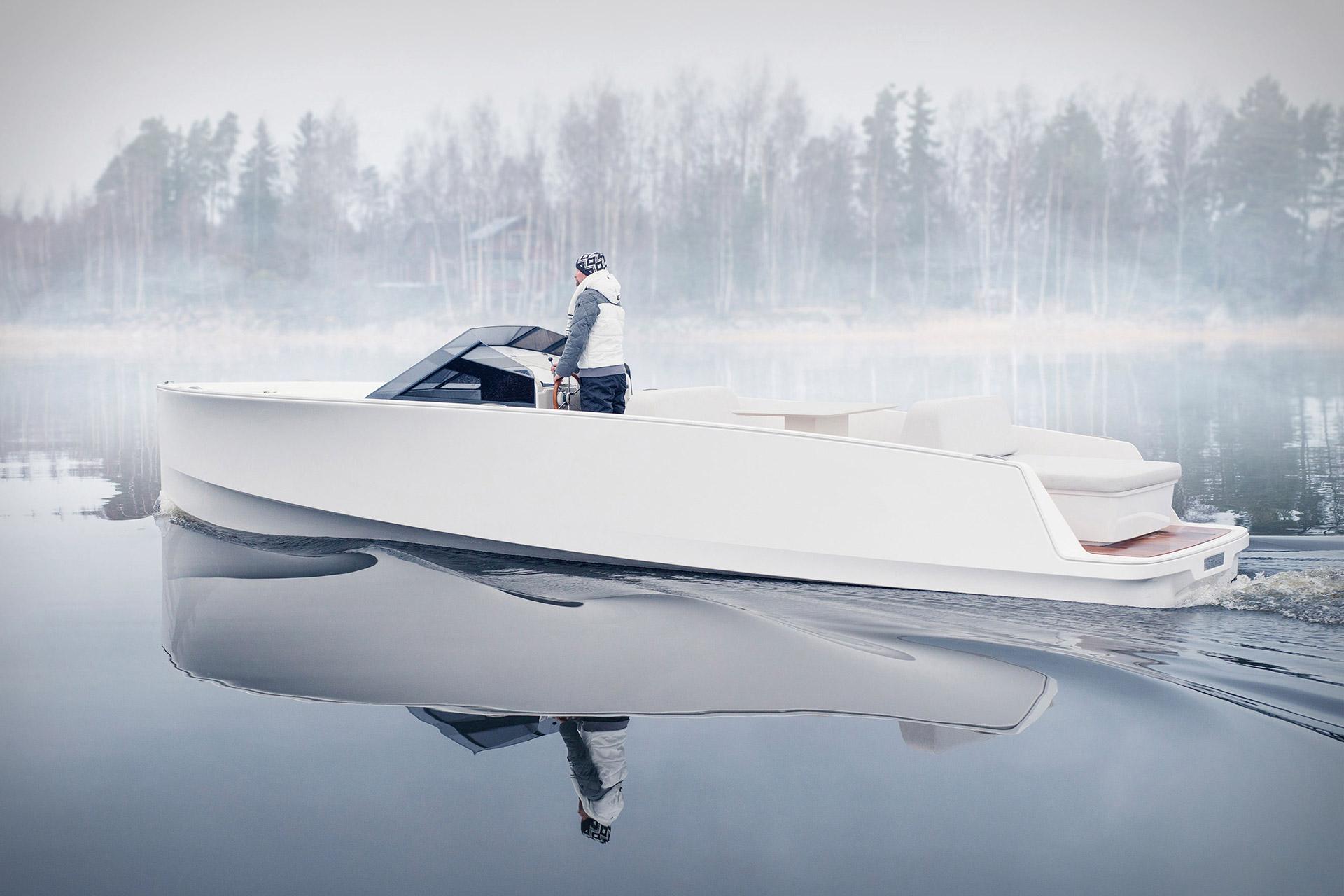 Q Yachts Q30 Motorboat