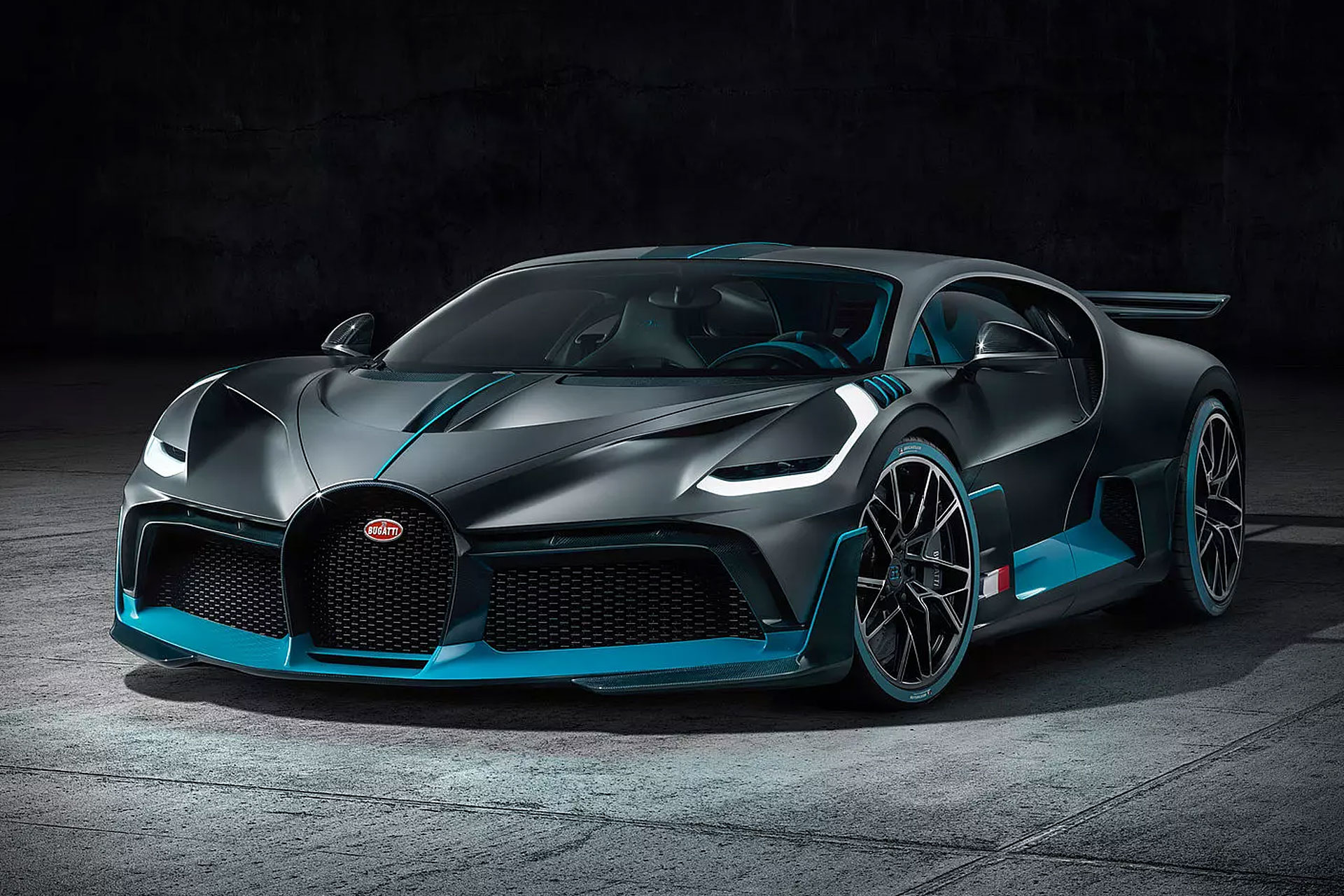 Bugatti Divo Hypercar | Uncrate Bugatti Divo