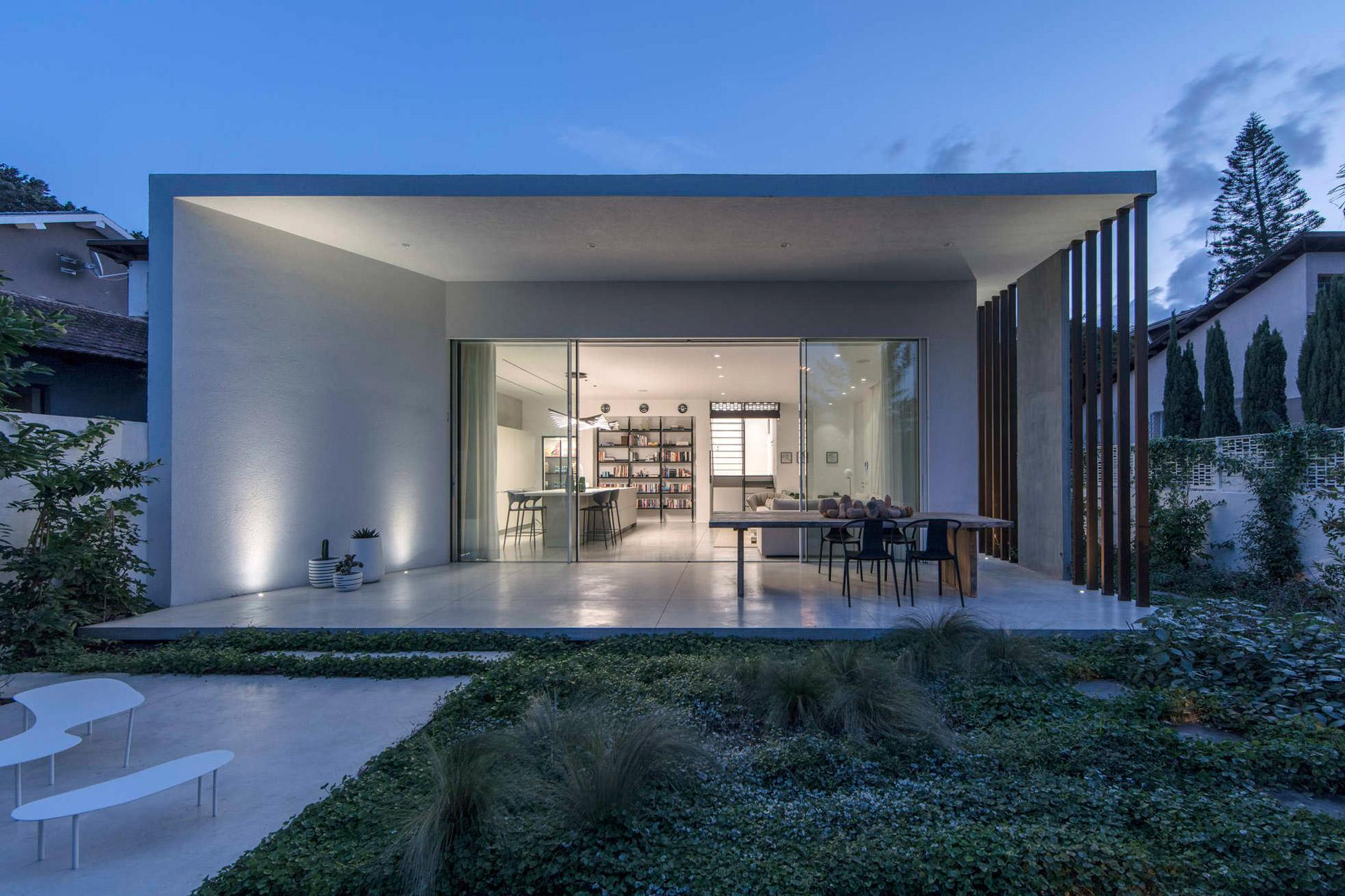 Ramat Hasharon Pavilion House Uncrate