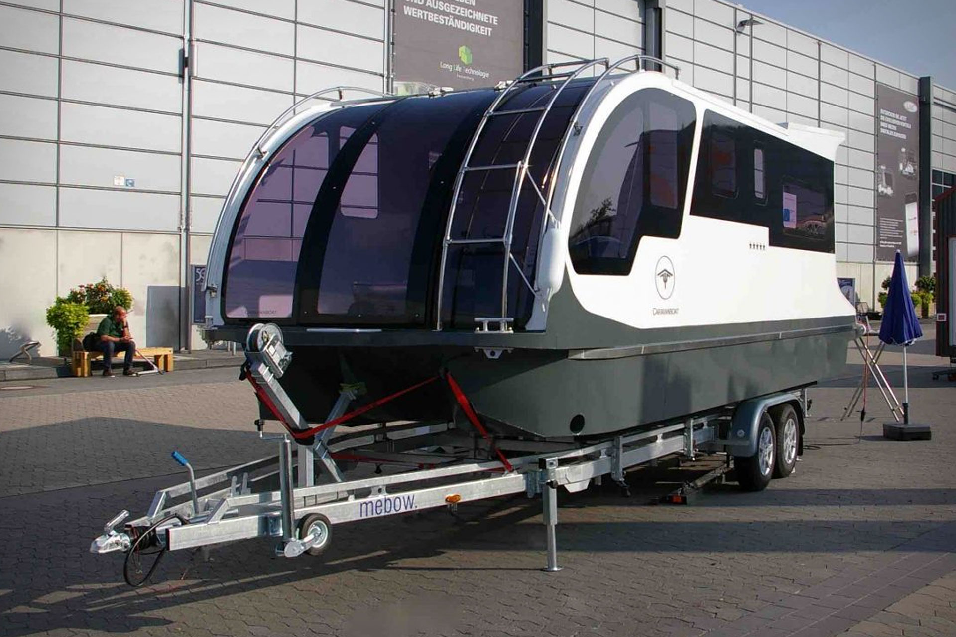 Caravanboat Amphibious Camper