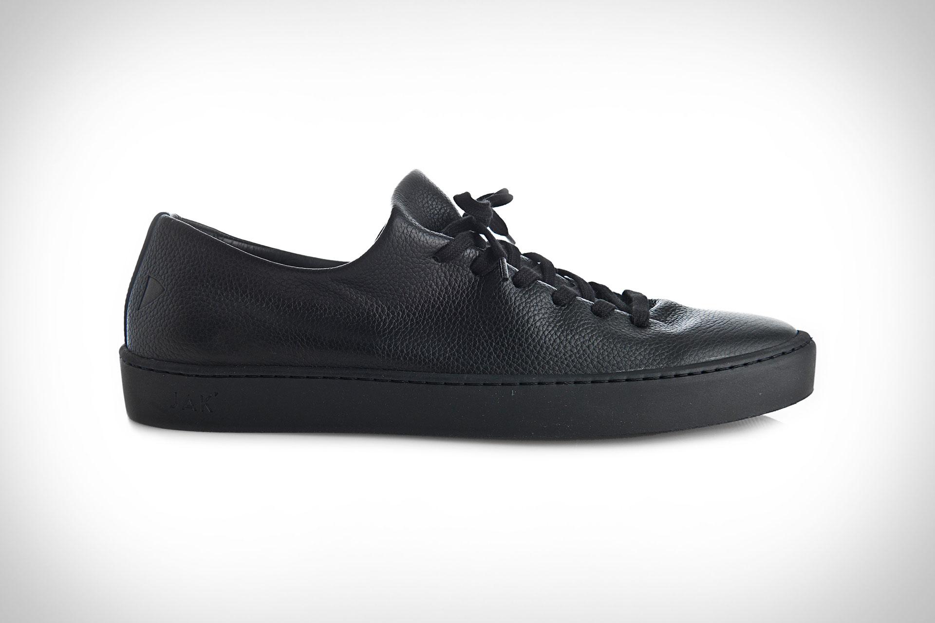 Jak Atom Sneakers