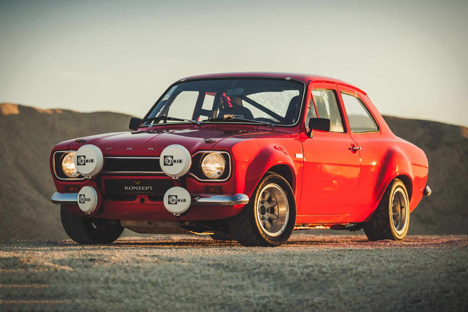 ford escort rs  coupe uncrate