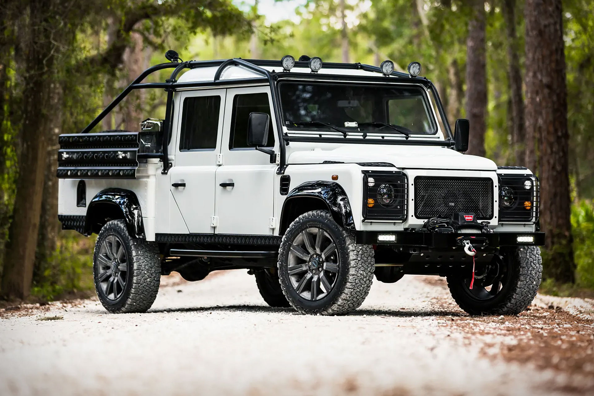 ECD Project Force Land Rover Discovery SUV