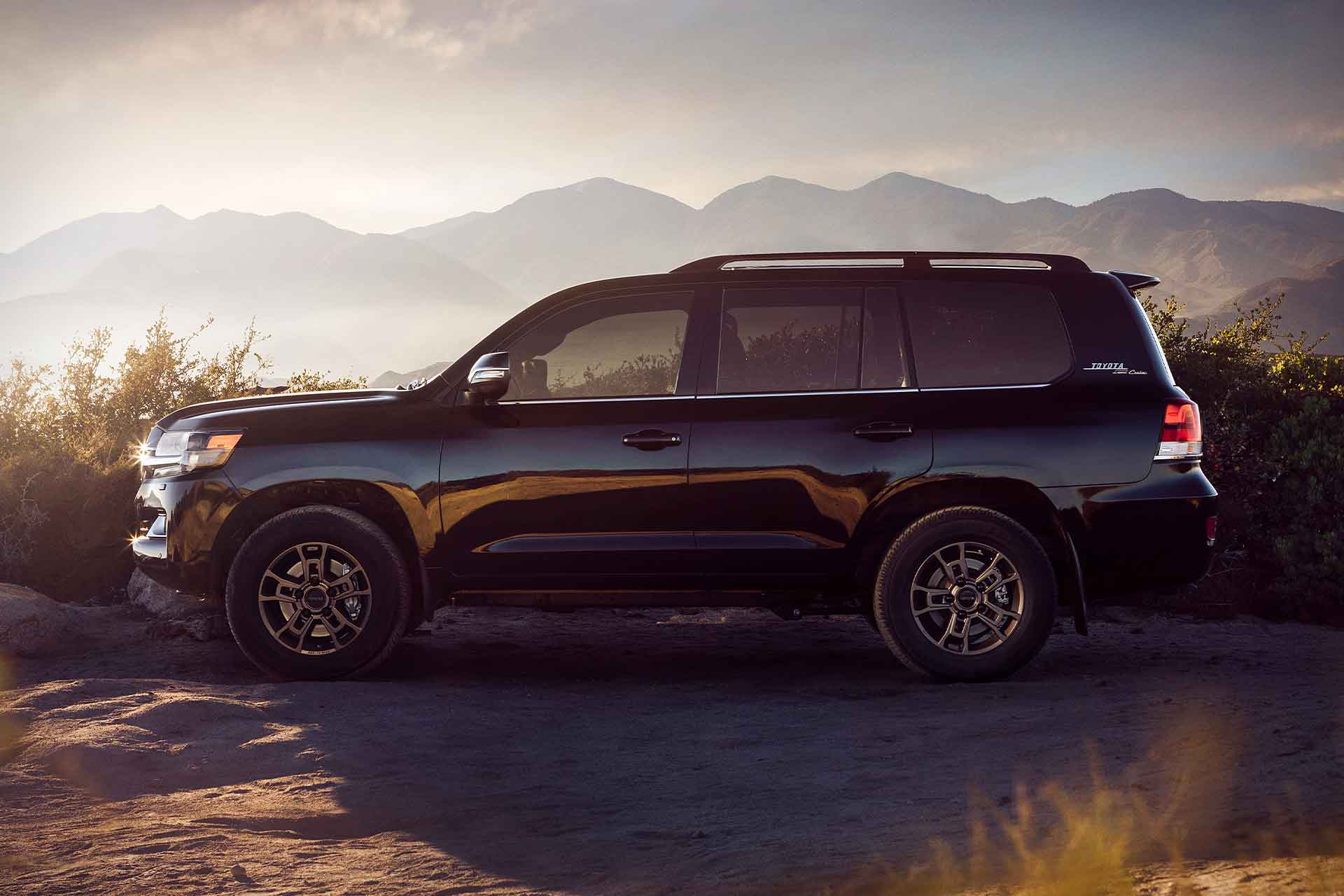 2020 Toyota Land Cruiser: News, Design, Equipment, Price >> 2020 Toyota Land Cruiser Heritage Edition Suv Uncrate