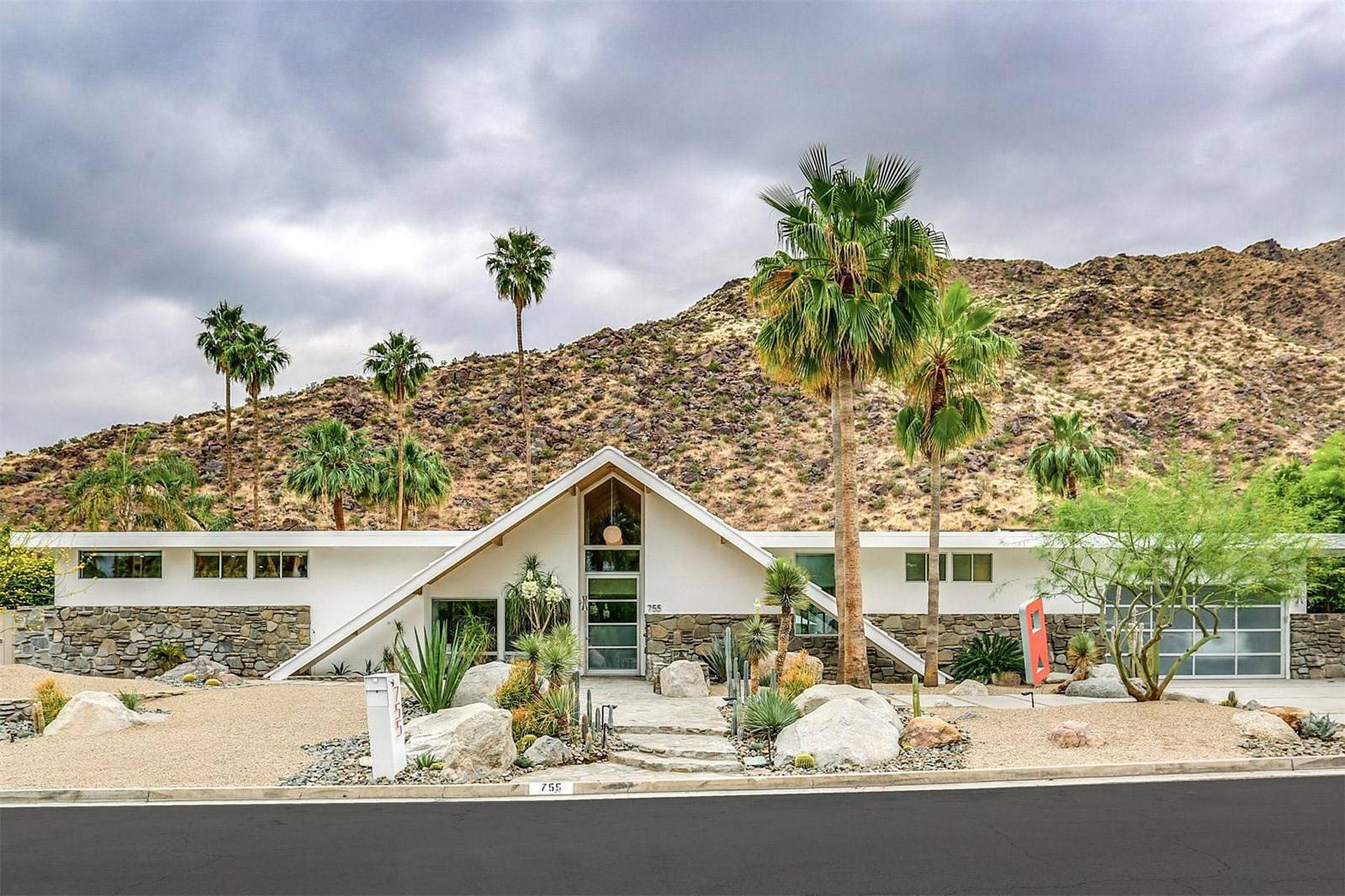 Palm Springs A-Frame House