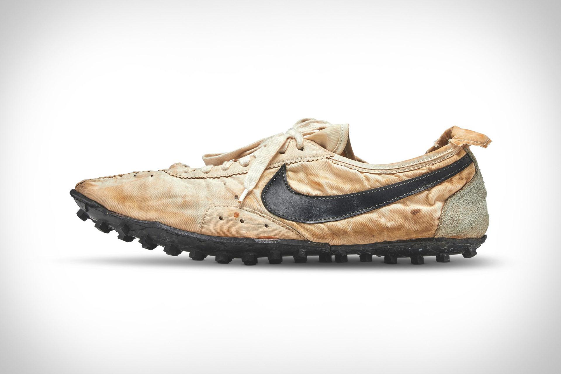 Nike Moon Shoe Waffle Racer