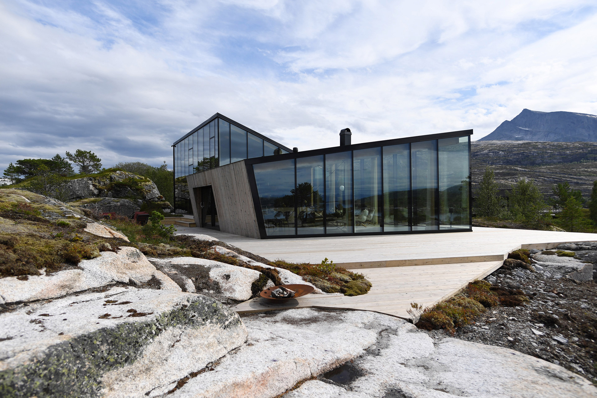 Efjord Retreat Cabin