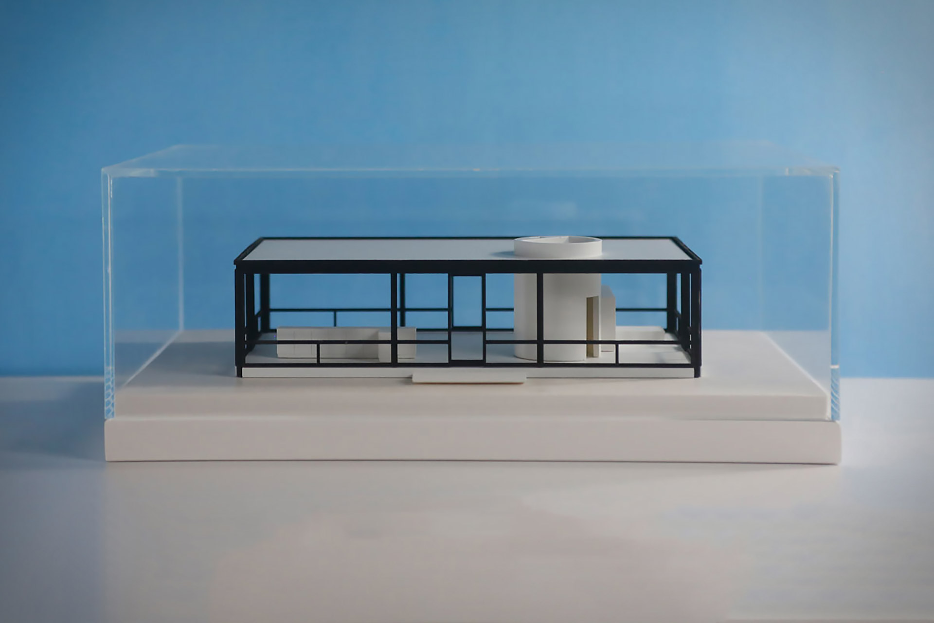 Chisel & Mouse Glass House Replica