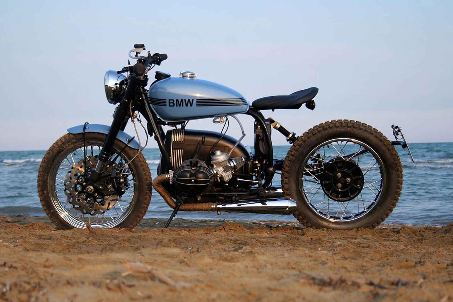 La Motocicletta BMW R80ST Motorcycle