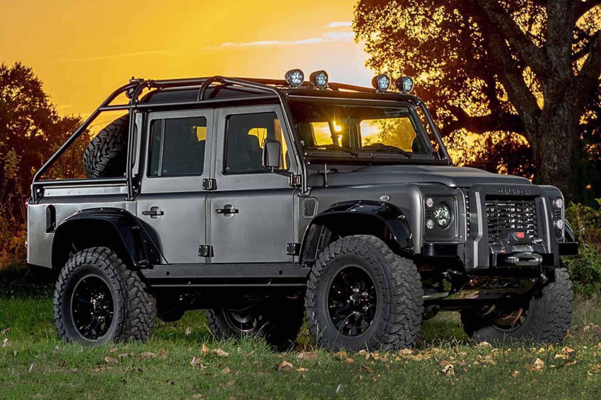 Himalaya Spectre Land Rover Defender SUV