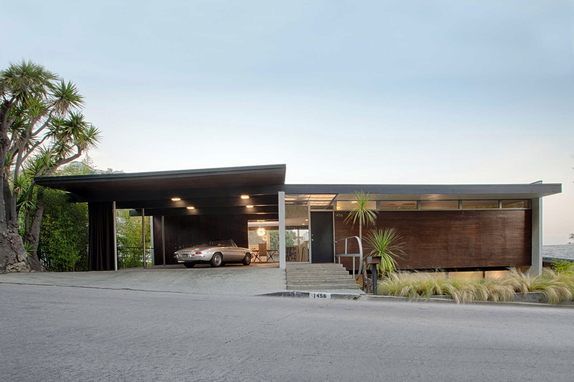 Richard Neutra's Lew House
