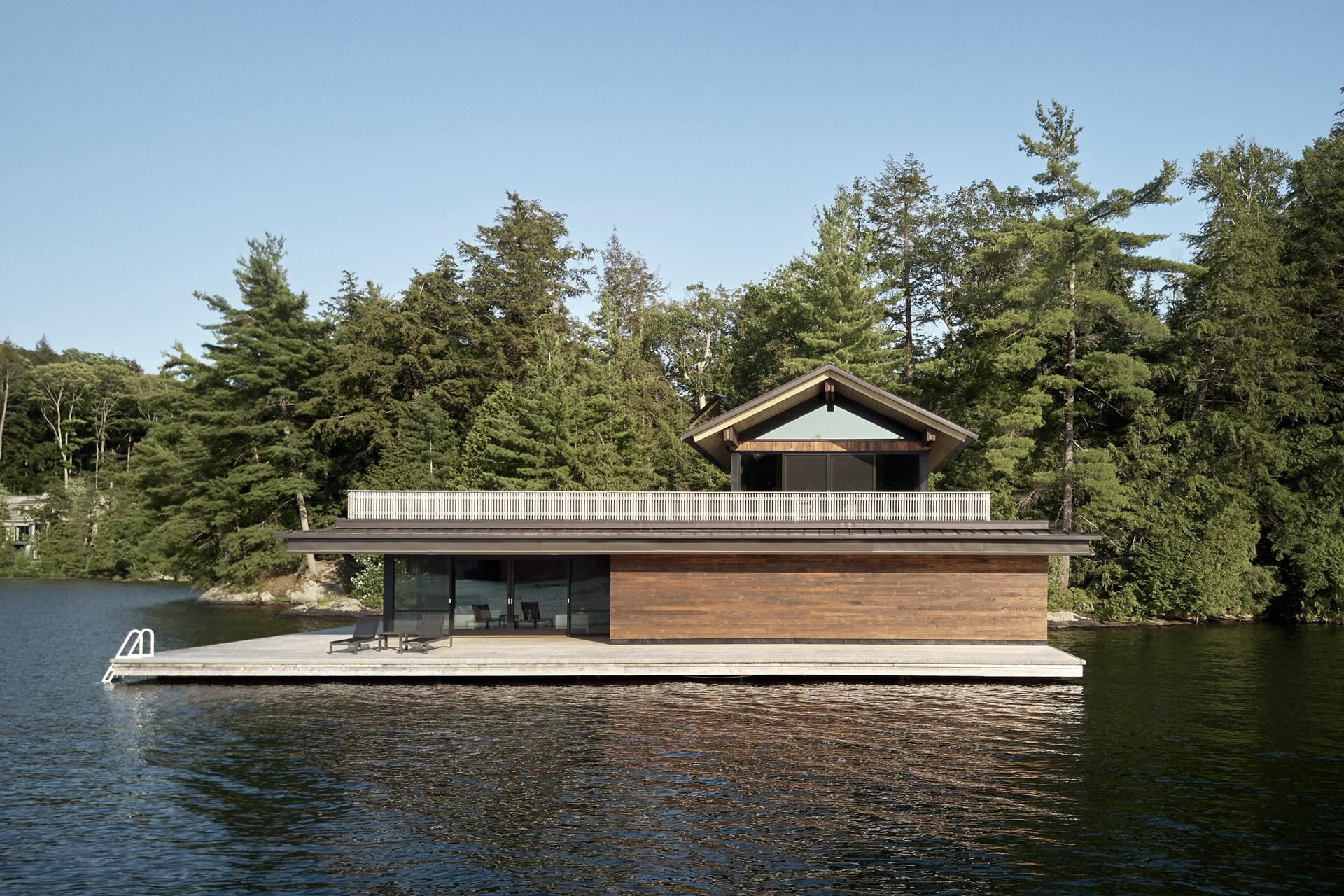 Metrick Cottage & Boathouse